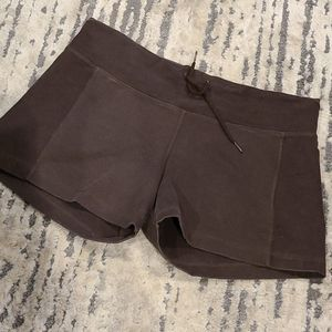 Lululemon brown two tone shorts